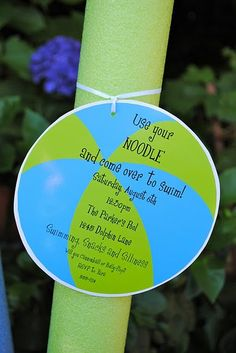 Plan the perfect summertime pool party with these helpful tips. Invitations, party theme, pool games, & menu ideas & more. Sommer Pool Party, Pool Party Kids, Kid Pool, Water Party, Swim Party Invitations, Party Favors, Invitation Ideas, Summer Parties, Summer Pool