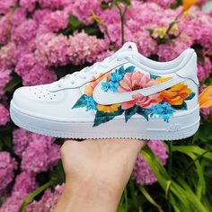 custom shoe The post 2 oder 3 Welches ist dein Lieblings appeared first on beste Schuhe. Custom Painted Shoes, Nike Custom Shoes, Customised Shoes, Custom Made Shoes, Hand Painted Shoes, Nike Shoes Air Force, Air Force Sneakers, Cute Sneakers, Cool Vans Shoes