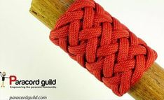 Paracordist how to tie a Turks Head knot easily using a jig and paracord for a hiking staff handle Paracord Tutorial, Paracord Knots, Paracord Keychain, Rope Knots, Macrame Knots, Paracord Bracelets, Lanyard Knot, Paracord Braids, Paracord Projects