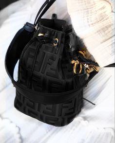 Luxury Purses, Luxury Bags, Luxury Handbags, Fashion Handbags, Purses And Handbags, Fashion Bags, Replica Handbags, All Fashion, Dior