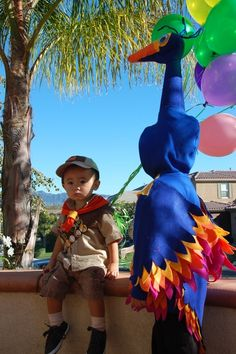 Halloween Costume :: Russell and Kevin the Bird from kid girl boy kid Cute Halloween Costumes, Halloween Kostüm, Baby Costumes, Holidays Halloween, Cool Costumes, Halloween Decorations, Halloween Clothes, Family Costumes, Disney Costumes