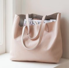 I d love to haul my books around in this bag. 4698c536ca4e3
