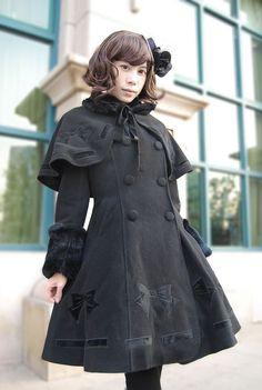 Manteau veste noire avec motif nœud et  bolero Infanta