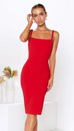 - Invisible Zipper - Body contouring fit - Fitted waist - Back leg split - Polyester Garment measurements: 6 8 10 12 BUST 70 74 80 82 WAIST 58 62 66 70 HIPS 72 76 82 86 Body Contouring, Scarlet, Politics, Bodycon Dress, Legs, Formal Dresses, Clothing, Fashion, Dresses For Formal