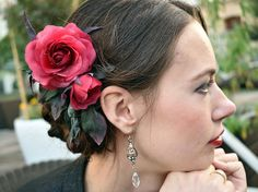 Marsala red rose, Red Wedding Hair Accessory, bridal hair clip, bridal hair accessories, wedding headpiece, wedding hair accessories, floral hair accessories bridal hair piece, faux pearls, floral hairpiece, alligator hair clip  This is a floral alligator clip which you can wear at the side, the back or however you like to create a gorgeous headpiece.  Flowers are made entirely by hands from thin silk.  Size  You can ask me any questions and I will certainly answer you. Each piece is unique… Flower Headpiece, Headpiece Wedding, Bridal Headpieces, Red Wedding Hair, Wedding Hair Clips, Flower Hair Clips, Flowers In Hair, 15th Birthday, Floral Hair