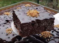 Greek Desserts, Chocolate Sweets, Cheesecake Cake, Desert Recipes, Mini Cakes, Food To Make, Cake Recipes, Sweet Treats, Cooking Recipes