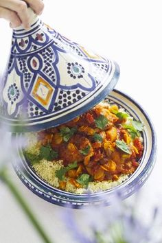 Tajine with chicken, dried fruits and almonds-Tajine mit Hähnchen, Trockenfrüchten und Mandeln Tajine with chicken, dried fruit and almonds – smarter – time: 45 min. World Recipes, Meat Recipes, Asian Recipes, Gourmet Recipes, Chicken Recipes, Healthy Recipes, Ethnic Recipes, International Recipes, Food Print