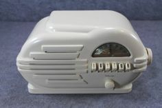 Old Belmont Deco Bakelite Tube Radio Super