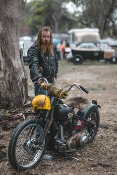 Harley Davidson News – Harley Davidson Bike Pics Motorcycle Camping, Bobber Motorcycle, Bobber Chopper, Motorcycle Style, Biker Style, Motorcycle Garage, Hd Vintage, Vintage Biker, Vintage Motorcycles