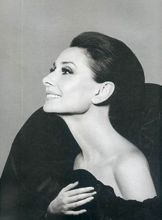 The Original Glamour ãdurey hepburn. #audrey hepburn  BEAUTY AND GRACE, SUCH A BEAUTIFUL WOMAN AT ANY AGE!!!
