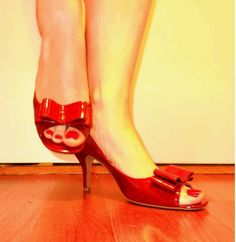 Jessica Simpson peep-toe kitten heel red patent leather brand new thrift store find