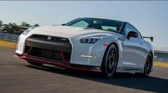 2015 Nissan GT-R Hybrid Design and Changes