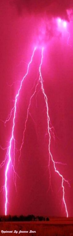 PINK LIGHTNING - I've never seen anything like this in my life..AMAZING!!!!!!!