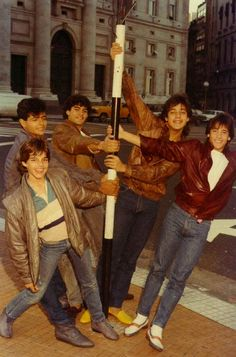 Menudo! Oh the memories awe look at little Ricky Martin. I recognize Charlie and is that Ruben? Gosh somebody help me here paleeeeease:)
