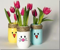 This DIY Spring Mason jar craft will make your table, mantel Easter ready. This DIY Spring Mason jar craft will make your table, mantel Easter ready. Pot Mason Diy, Mason Jar Crafts, Paint For Mason Jars, Easter Crafts For Kids, Crafts To Do, Easter Ideas, Children Crafts, Egg Crafts, Baby Crafts