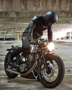 Male in his 40's, straight, southern european. Vintage fasion, vintage cars, motorcycles, café...