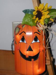 Painted Pumpkin Jar Halloween Bottles, Halloween Pumpkins, Halloween Crafts, Halloween Decorations, Fall Decorations, Pumpkin Crafts, Fall Crafts, Holiday Crafts, Painted Jars