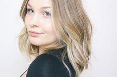 Blonde balayage lob, mid length hair