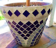 Allison's Victory Potz Mosaic Planters, Mosaic Vase, Mosaic Tile Art, Mosaic Flower Pots, Mosaic Artwork, Ceramic Flower Pots, Pebble Mosaic, Mosaic Diy, Mosaic Garden