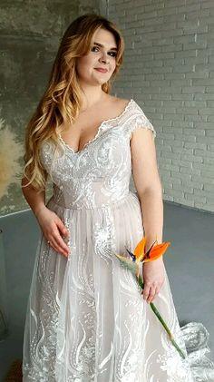 Pink blush plus size curvy bride wedding gown Alternative Wedding, Alternative Fashion, Wedding Bride, Wedding Gowns, Curvy Bride, Plus Size Wedding, Blush Pink, Groom, White Dress