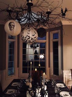 Halloween décor #styling #halloween #decor Halloween Ceiling Decorations, Living Room Halloween Decor, Halloween Bedroom, Halloween Backdrop, Halloween Table, Halloween Home Decor, Halloween Ideas, Halloween Wreaths, Halloween Crafts