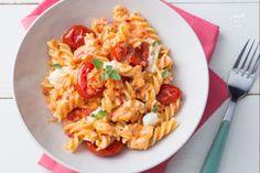 La pasta con pomodorini e stracchino è un primo piatto cremoso,  saporito ma soprattutto genuino!