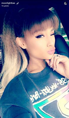 @arianagrande63 HER HAIR AND MAKE-UP, SHE'S SO PRETTY❤