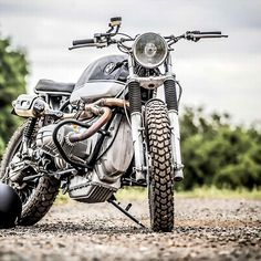 combustible-contraptions:  BMW Tracker | Scrambler