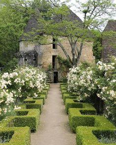 . . Château de Losse, Thonac, (Dordogne) France . Located in the Perigord (Dordogne), quite close to the Lascaux Caves, is Château de…