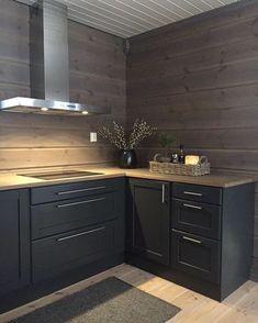 Corner kitchen without upper cupboards Cabin Homes, Log Homes, Kitchen Interior, Kitchen Decor, Modern Lodge, Classic Kitchen, Cabin Kitchens, Cabin Interiors, A Frame House