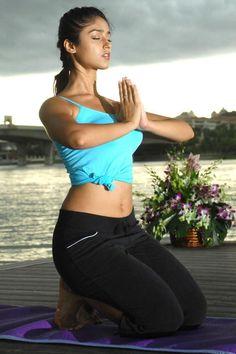 Ileana D'Cruz Doing Yoga Indian Bollywood Actress, Indian Film Actress, South Indian Actress, Beautiful Indian Actress, Beautiful Actresses, Indian Actresses, Bollywood Theme, Beautiful Women, Bollywood Girls