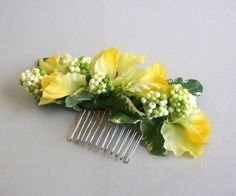 I love yellow for a spring wedding! Lovely sweet pea and green berry hair accessory.