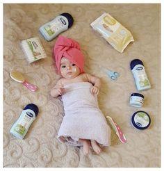 Monthly Baby Photos, Newborn Baby Photos, Baby Girl Photos, Baby Poses, Cute Baby Pictures, Newborn Pictures, Baby Girl Newborn, Baby Baby, Pic Baby