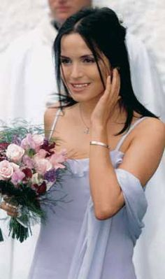 Andrea Corr (Annie) Pride Of America, International Waters, Cellular Service, Cruise Packages, Norwegian Cruise Line, Phone Service, How To Find Out, Hot Girls, Singer