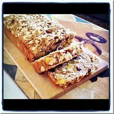 Old-Fashioned Apple Oat Bread - wow, check out these all-natural ingredients: oat bran, whole wheat flour, coconut oil, applesauce, apples, raisins, rolled oats = :)
