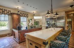 This Georgian-style Kitchen | Peapack, New Jersey | Turpin Realtors
