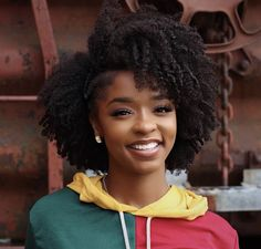 Hair ideas for ladies. Tips for beautiful hair. Your hair is . Hair Ideas for the Ladies. when it comes to beautiful hair. Your hair is without a doubt what can d Natural Hair Haircuts, Afro Hairstyles, Natural Hair Care, Natural Hair Styles, Natural Black Hair, Natural Honey, Going Natural, African Hairstyles, Wedding Hairstyles