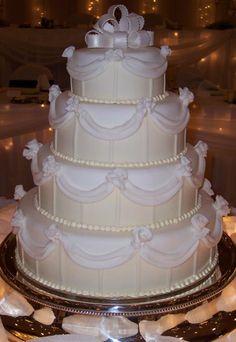 A wedding cake for a Princess!  Wedding Cake Connection, http://www.weddingcakespeoria.com