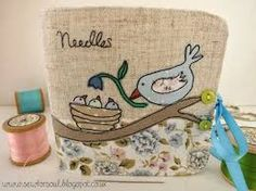 Sewforsoul: Freehand / free motion embroidered needle book with raw edge applique.love the applique! Freehand Machine Embroidery, Free Motion Embroidery, Machine Embroidery Applique, Applique Patterns, Free Motion Quilting, Applique Quilts, Cross Stitch Embroidery, Hand Embroidery, Bird Quilt