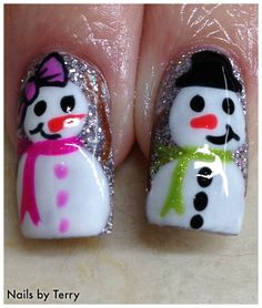 Learn how to create over 100 festive nail art desings for Christmas with ease! Christmas Nail Art Designs, Holiday Nail Art, Winter Nail Designs, Christmas Nails, Christmas Makeup, Diy Christmas, New Year's Nails, Hair And Nails, Snowman Nails
