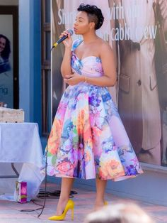 Stylish Work Outfits, Classy Outfits, Chic Outfits, Lovely Dresses, Elegant Dresses, High Tea Outfit, South African Traditional Dresses, Shweshwe Dresses, Sunday Dress