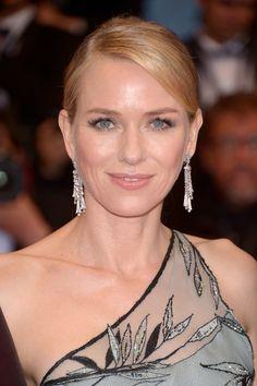 Naomi Watts in the Giardini Italiani white gold and diamond earrings by Bulgari. Cannes 2015