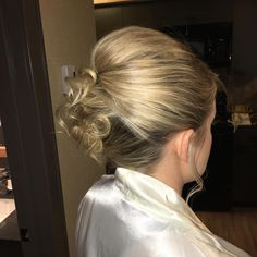 A #wedding in the mountains  #stylesandthecity #love #mountains #canmore #banff @pams_beauties #bridesmaid #hair #hairstyle