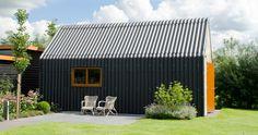 Prefab bijgebouw eternitplaten dak en gevels