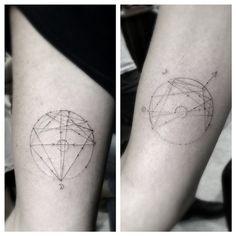 « Bff matchies situation with natal birth charts.. @gottahaveitvenice @sophieplanet » Tattoo Chart, Sexy Tattoos, Map Tattoos, Arrow Tattoos, Circle Tattoos, Cool Tattoos, Tattoo Ink, Tatoos, Astrology Tattoo