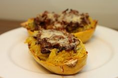 Plněná špagetová dýně mletým masem a parmezánem /Spaghetti squash stuffed with minced meat and Parmesan/ Bezlepkový a nízkosacharidový zdravý recept /Gluten free and low carb healthy recipe/