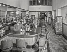 """Andy Wong's """"Fair Famous"""" Mission Trails Restaurant, Harvey Lum, manager, at 500 Sutter Street. San Francisco 1942"""