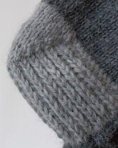 http://knitnetty.blogspot.no/2013/12/sokker-pa-pinnene-og-et-lite-hjerte.html