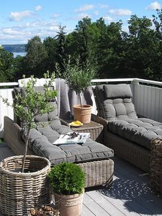 gorgeous rattan seating/lounging for garden