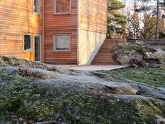 Byggahus trädgårdsdesigner Cajsa Jacobsson är en hejare på att designa trappor i utomhus. Här får du Cajsas tips på hur du utformar en bra trappa och även inspiration i form av 12 fina trappor hon gjort.